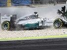 Lewis Hamilton v kvalifikaci na VC N�mecka F1 havaroval.