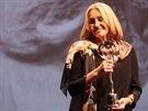 Olga Sommerová se soškou za divácky nejoblíbenější film (12: července 2014).