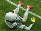 BRAZÍLIE PROHRÁVÁ 0:3. Brankář Júlio César dostává v nastaveném čase gól od