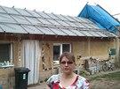 V domě nelze bydlet, je plesnivý, promáčený a vybavení zničené. Na snímku Dana Smékalová.