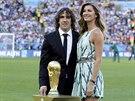 Bývalý kapitán španělského fotbalového týmu Carles Puyol a Gisele Bündchenová s...