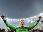 N�mecký branká� Manuel Neuer se raduje z titulu mistr� sv�ta.