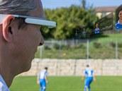 S Google Glass může trenér sledovat i skupinu hráčů. Jen on sám nebo jeho...