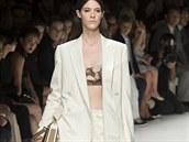 Voln� kalhotov� kost�m: Salvatore Ferragamo