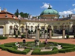 Zámek Buchlovice patří k nejvýznamnějším barokním šlechtickým sídlům u nás