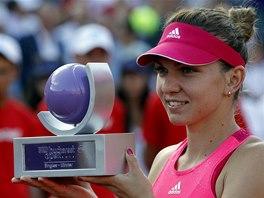 Simona Halepová po triumfu na turnaji v Bukurešti.