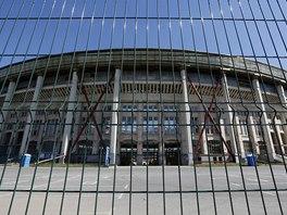 Na moskevsk�m stadionu Lu�niki se nyn� zu�iv� buduje a norm�ln� smrteln�k se na