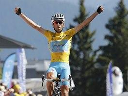 ALPSKÝ VRCHOL JE DOBYT. Vincenzo Nibali vítězí ve třinácté etapě Tour de