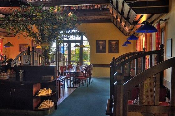 Interiér restaurace hotelu ELZET