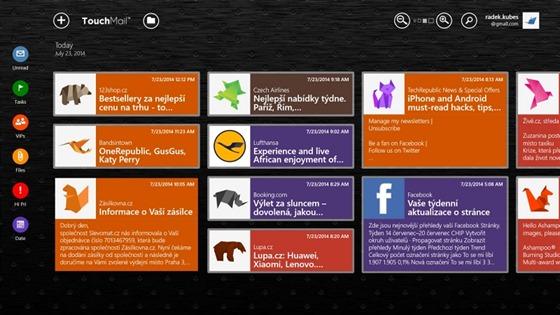 E-mailový klient TouchMail zobrazuje obsah schránky formou živých dlaždic