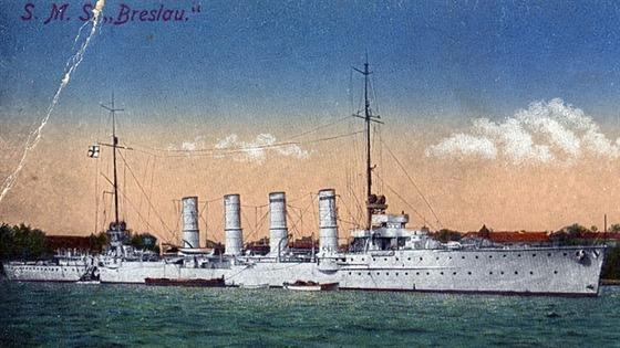 SMS Breslau na kolorované pohlednici.