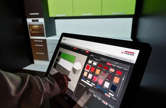 Pomocí dotykového ovládacího pultu a projektoru lze promítat na jednoduchou
