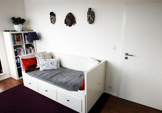 Malý pokoj zatím slouží jako pracovna nebo pro případné přespání hostů.