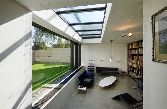 Obývací pokoj ve snížené části přízemí