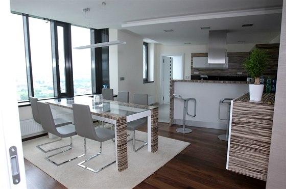 Luxusní apartmán. Pohled do nejlepšího bydlení v AZ Tower.