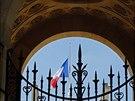 Ve Francii vlají vlajky na půl žerdi za oběti pádu letadla v Mali (28. července...