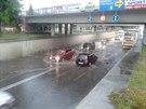 Podjezd pod železniční tratí mezi Uherským Hradištěm a Kunovicemi zaplavený...