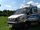 Policisté pátrali tři hodiny po ozbrojeném muži v lese u Malých Kyšich na...