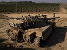 Posádka izraelského tanku nasazená do bojů proti palestinským radikálům (27....