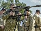 Ukrajinský prezident Petro Porošenko si osobně přijel na základnu u Kyjeva...