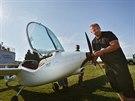 Martin Štěpánek se svým originálním letadlem na baterky.