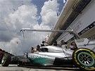 SNAD SE ZASE NESPÁLÍM. Lewis Hamilton vyráží do kvalifikaceVelké ceny Maďarska
