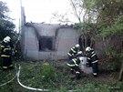 Požár rodinného domu v obci Jezernice na Přerovsku, uvnitř kterého hasiči našli...