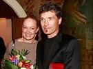 Alena Antalov� s man�elem na party po obnoven� premi��e opery Don Giovanni ve...