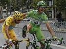 ZABLBNEM SI. Žlutý Vincenzo Nibali se v průběhu poslední etapy Tour de France...