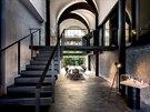 kanceláře v Šanghaji, Čína druhý má více tradiční přístup ke schodům