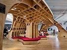 Křivky: Tento úžasný interiér, který nabízí stylové dřevěné ploch v průmyslové...
