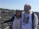George a Angela Dyčinští navštívili místo pádu letadla, na jehož palubě byla i