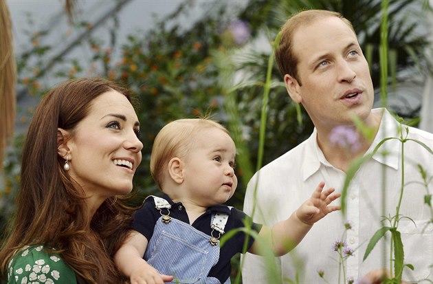 První narozeniny oslaví princ George st�ídm�. Vévoda a vévodkyn� z Cambridge...