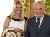SETKÁNÍ NA HRADĚ. Prezident Miloš Zeman a nejlepší česká tenistka Petra Kvitová.