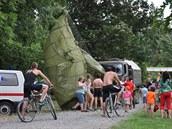 Počasí ovlivnilo i pondělní cvičení výsadkářů na  Plumlovské přehradě na...
