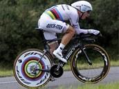 NA TRATI. Tony Martin z Německa si jede pro vítězství v časovce na Tour de