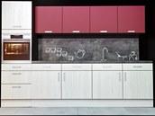 Imitace betonu a výrazná barva na horních skříňkách - současná oblíbená