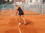 Tenistka Nicole Vaidišová zkouší servis