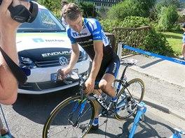 Leopold König se vyjíždí po šestnácté etapě Tour de France, ve které se posunul...