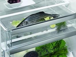 Chladničky s přihrádkami s takzvanou fresh zónou, kde lze regulovat vlhkost, prodlužují výrazně čerstvost potravin.