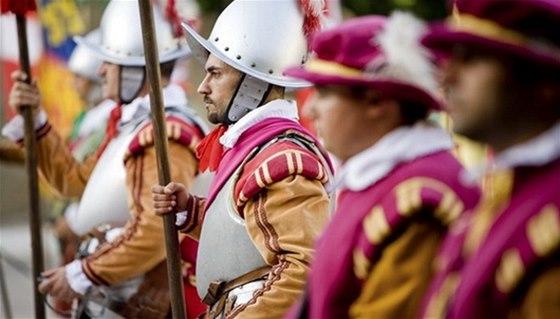 Historické slavnosti na hradě Kost se letos konají už po deváté