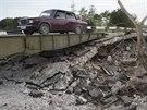 Most poničený boji na východě Ukrajiny (30. července 2014)