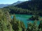 Skryt� klenot Graub�ndenu: jezero Caumasee v les�ch u Flimsu