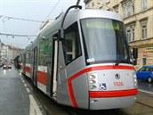 V brněnské ulici Cejl u zastávky Tkalcovská kvůli naplavenině na kolejích po...