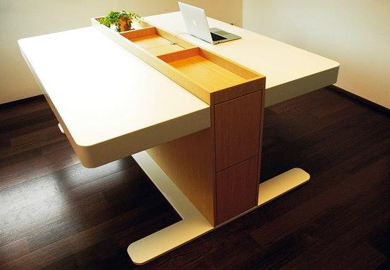 Dvě pracovní místa na jedné ploše nabízí stůl DvaDva.