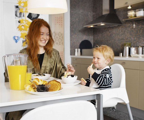 Doma snídá 60 % lidí, 12 % ovšem nesnídá vůbec.