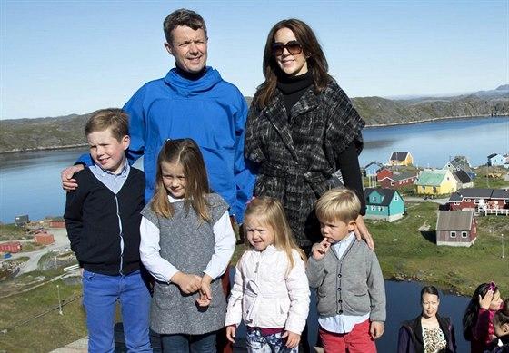 D�nsk� korunn� princ Frederik, princezna Mary a jejich d�ti princ Christian,...