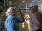 M�stn� obyvatel� Don�cku pobl� poni�en�ho domu (3. srpna 2014).