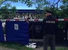 Ve Strašnicích se našlo tělo mrtvého novorozence v kontejneru.