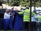 Na náměstí Kinských v úterý ráno zemřela po střetu s autem mladá dívka.